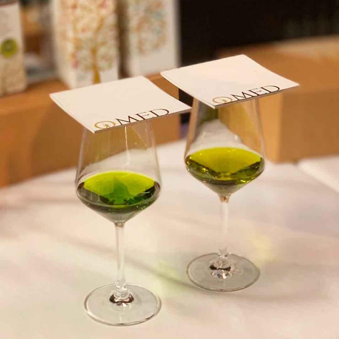 Olivenöl Farbe vom O-Med Olivenöl